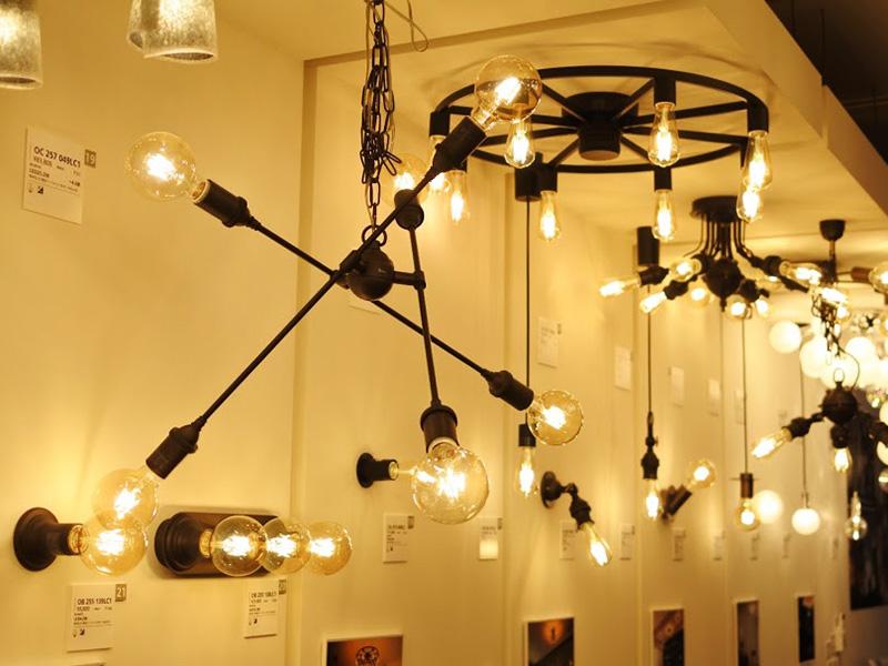 オーデリックの展示照明