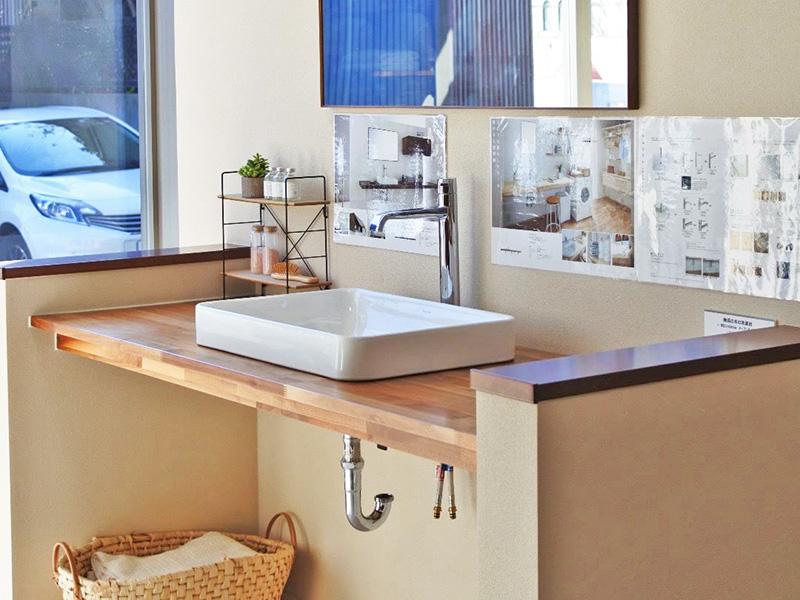 ウッドワンプラザさいたまのオープンタイプの洗面台