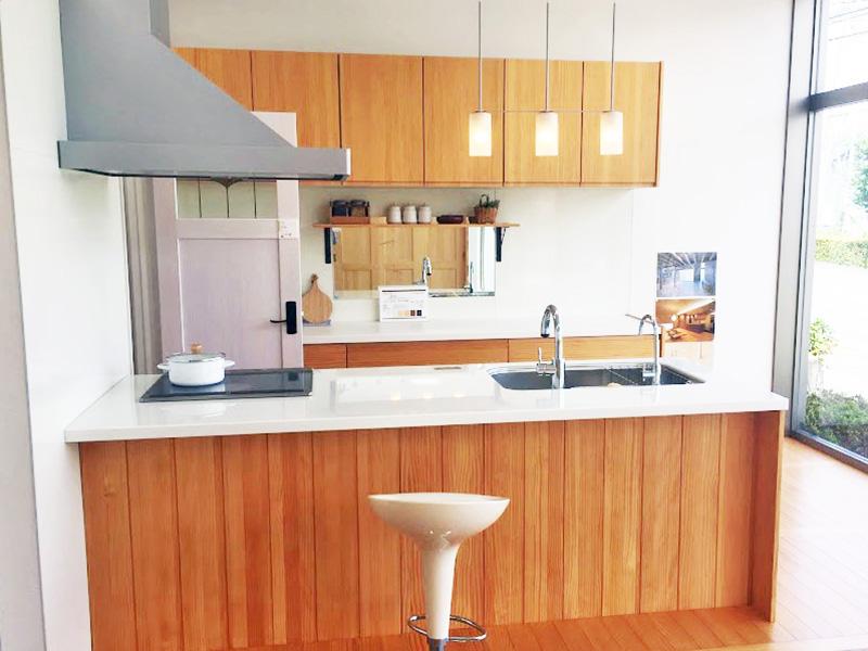 県民共済住宅のウッドワンキッチン
