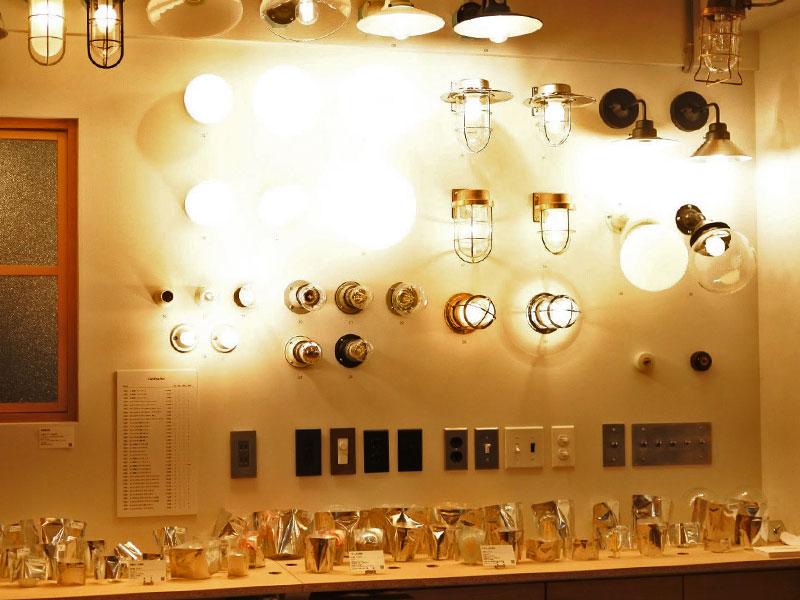 圧巻の照明コーナー