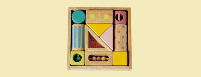 お片付けもパズルみたいに楽しめる木箱付