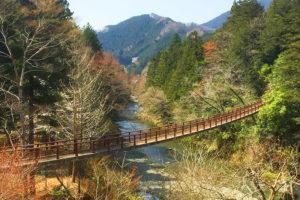 秋川渓谷 瀬音の湯&石舟橋で自然を感じる半日おでかけプラン