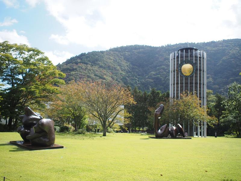 彫刻の森の緑陰広場