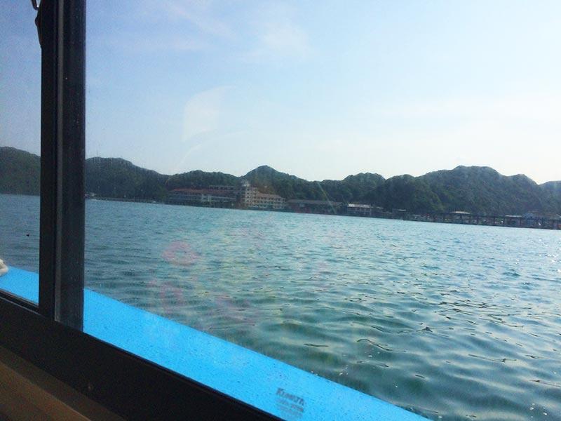 ホテル中の島専用船からの景色