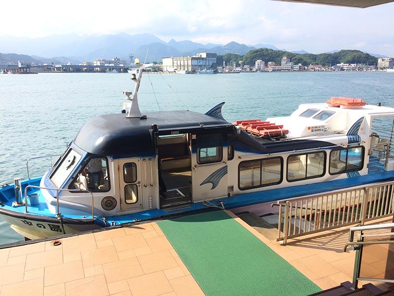 ホテル中の島専用船