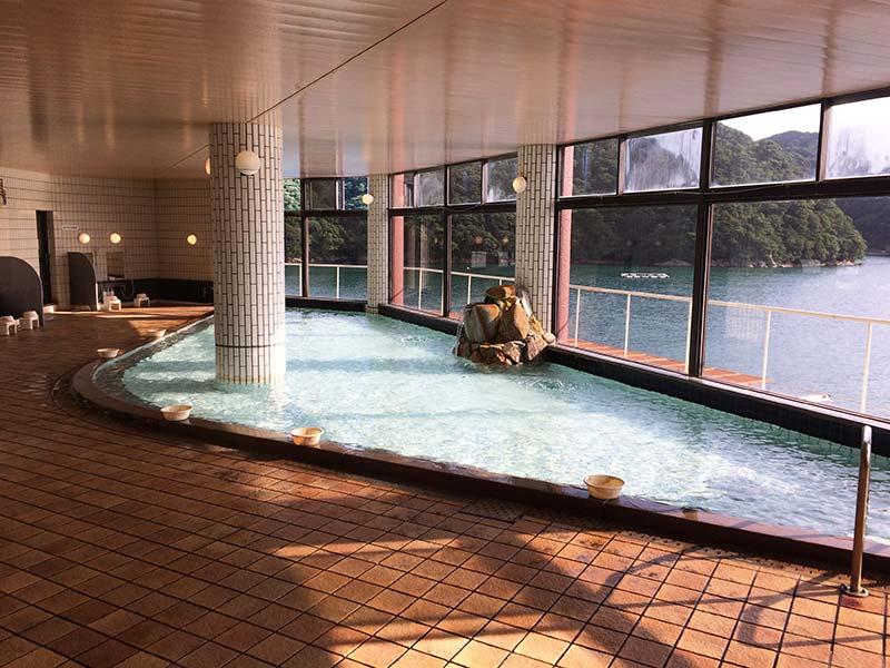 ホテル中の島大浴場