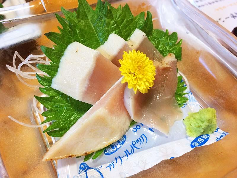 萬屋夕食熊野地鶏のタタキ