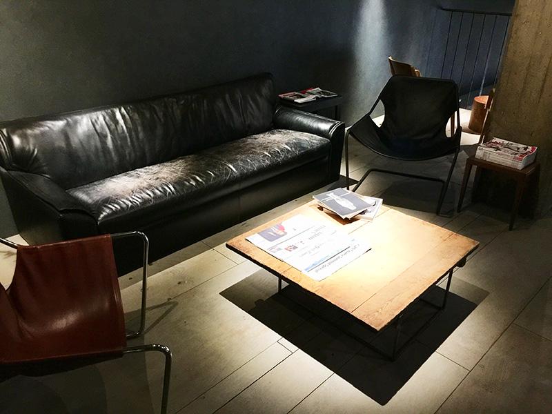 休憩スペースが間接照明