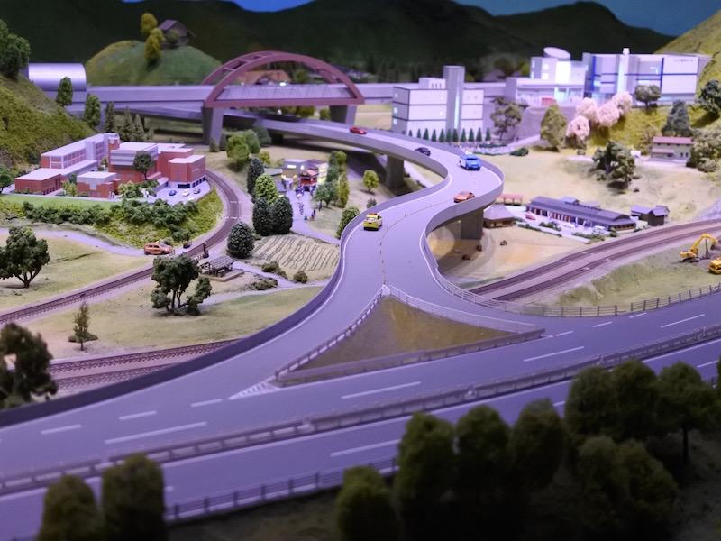 ジオラマの小形山架道橋
