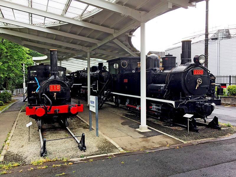 110形と2120形蒸気機関車