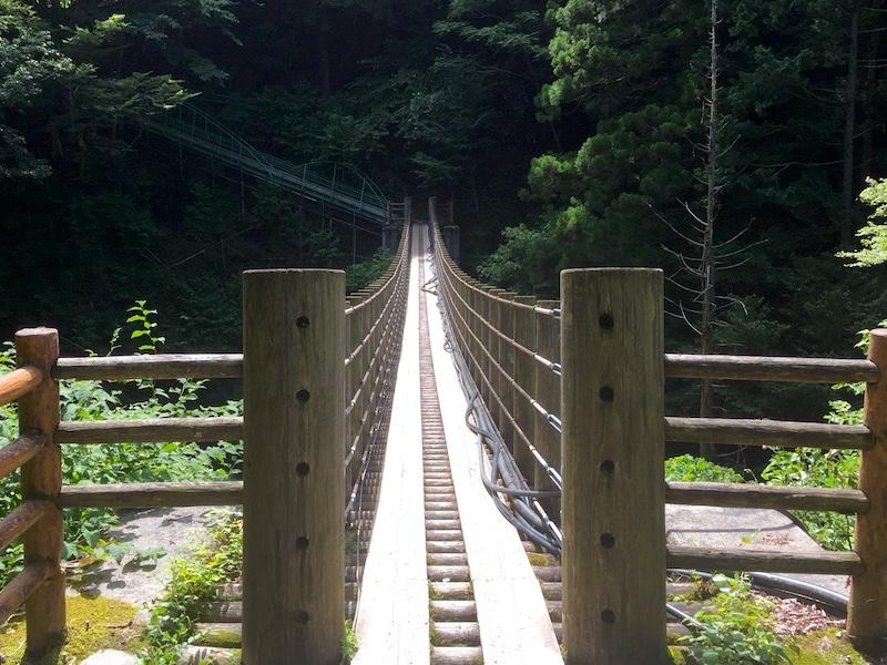 尾ノ内渓谷の吊り橋
