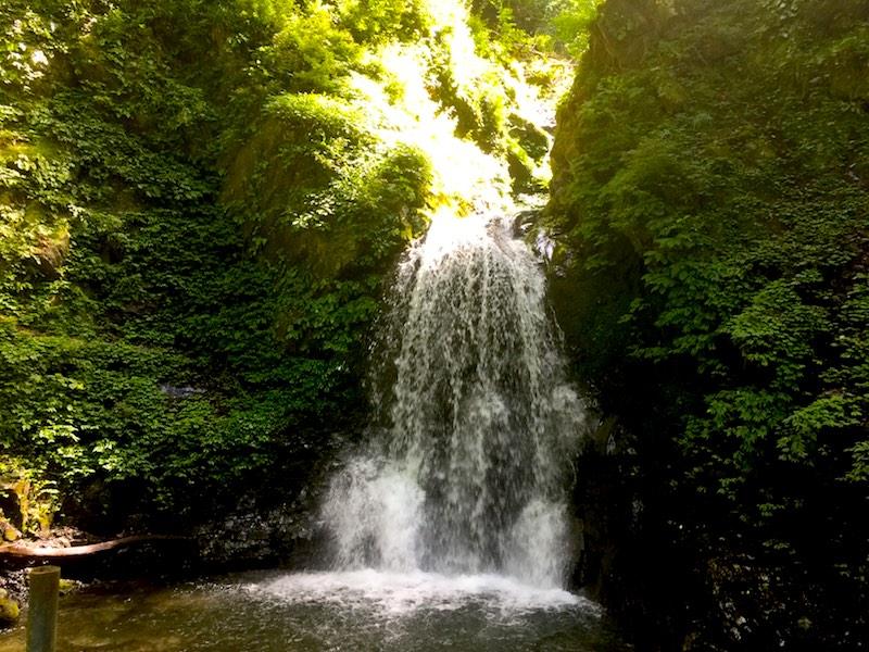尾ノ内渓谷の一番滝