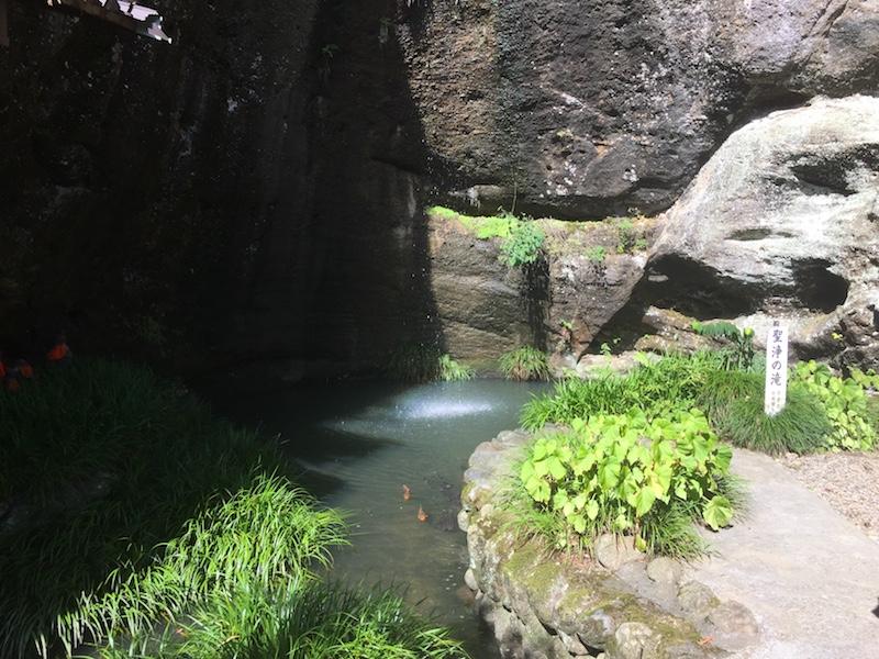 観音院の滝壺